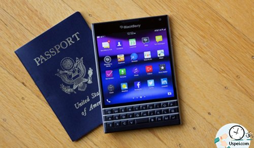 Blackberry Passport похожий на паспорт