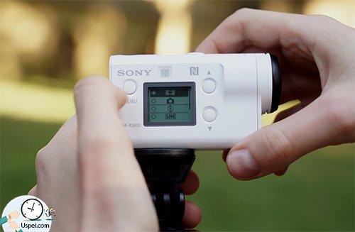 Управление осуществляется при помощи трех кнопок и небольшого монохромного экранчика