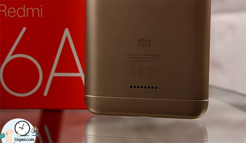 Xiaomi Redmi 6A - отверстия для динамика