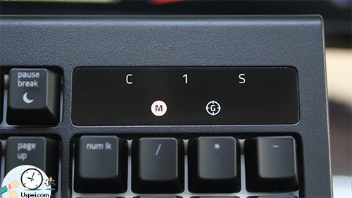 Клавиатуры Razer: BlackWidow Chroma - индикаторы на панеле