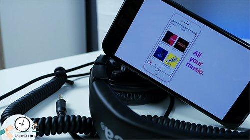 В Apple Music, как и в белорусском App Store, все на английском