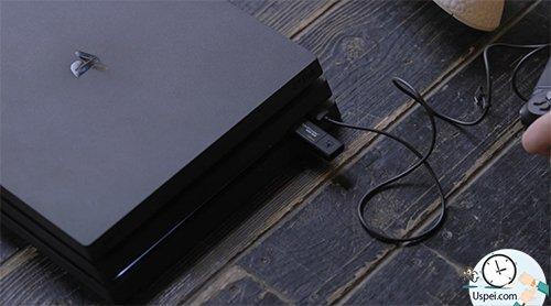 PlayStation включаем, подключаем по USB геймпад и вставляем флешку и заново ставим систему