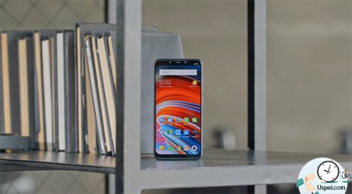 Xiaomi Pocophone F1 - нет NFC и это минус