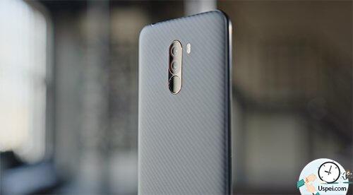 Xiaomi Pocophone F1 - кевларовый красавчик