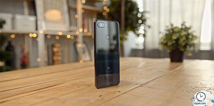 Xiaomi Mi 8 Lite - Размер аккумулятора при большом дисплее относительно небольшой - 3350 ма/ч
