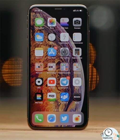 Месяц с iPhone Xs и Xs Max - стекло похоже на Gorilla Glass