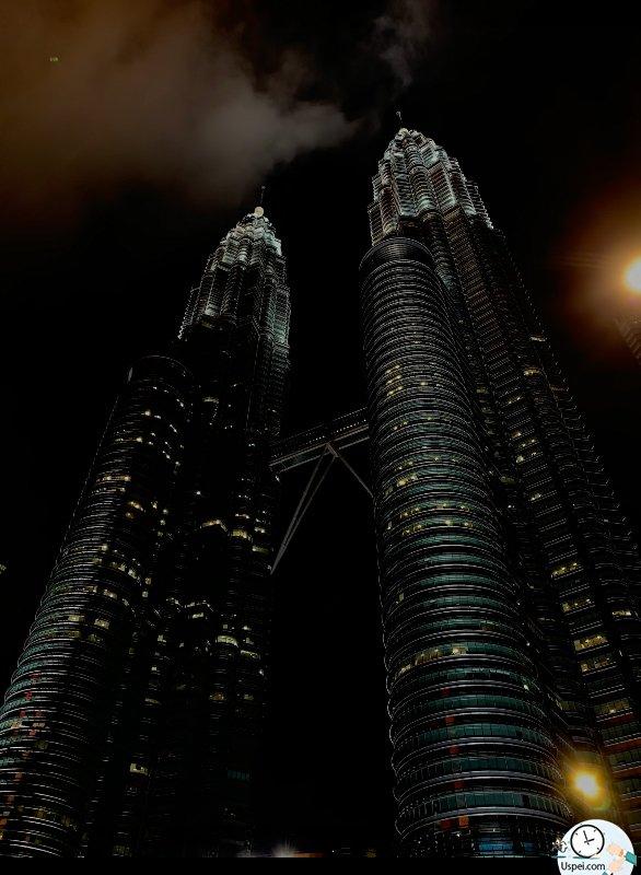 Месяц с iPhone Xs и Xs Max - пример ночного фото