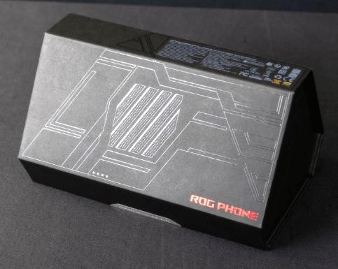 ASUS ROG Phone: упаковка телефона