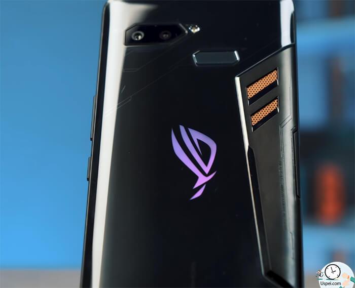 ASUS ROG Phone: логотип Republic of Gamers