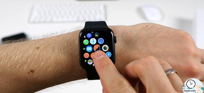 Благодаря этому действию мы можем запустить приложение на Apple Watch отображающее циферблат и после затухания дисплея оно всегда будет активно