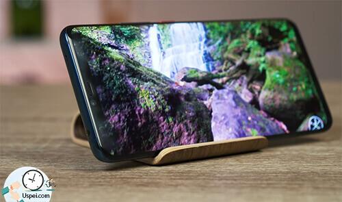 Huawei Mate 20 Pro: Технология, конечно же, AMOLED