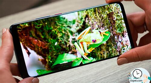 Huawei Mate 20 Pro: соотношение сторон моднейшее – 18,5 к 9. Покрытие Gorilla Glass неизвестной версии.