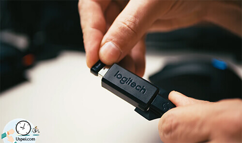 Logitech Lightspeed G703 для лучшего отклика рекомендуют, всё-таки, чтобы приёмник был в прямой видимости мышки