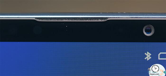 Meizu 16th Динамик разговорный тоже необычный, красиво спрятан между рамкой и стеклом, а внутри диод уведомлений.