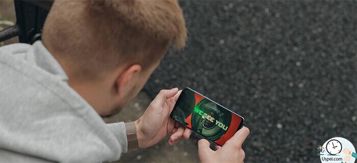 Meizu 16th Матрица Amoled производства Samsung одна из последних версий.