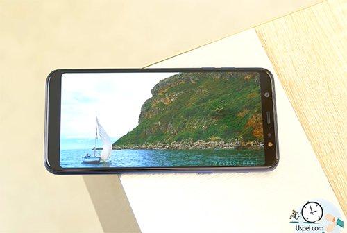 Samsung Galaxy J8 VS A6+:  дисплей