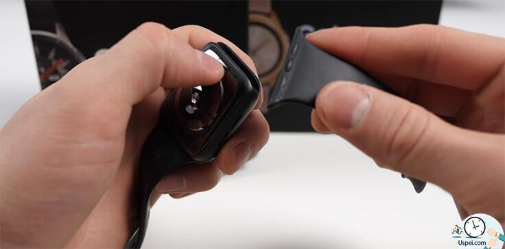 Samsung Galaxy Watch:  стоят такие ремешки относительно проприетарного разъема Apple Watch в разы дешевле и выбор больше