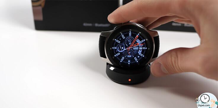 Samsung Galaxy Watch: Решение из коробки позволяет просто снять часы и поставить на зарядку