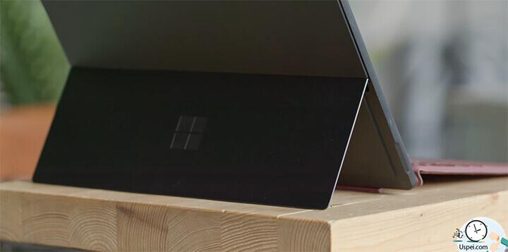 Обзор Surface Pro 6: гениальная подставка, которую я никогда не устану хвалить.