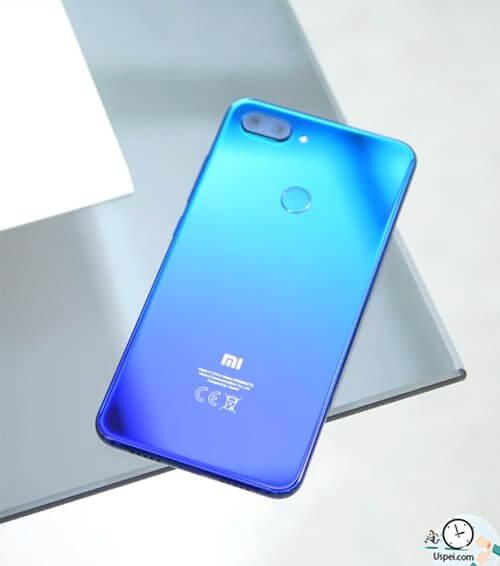 Xiaomi Mi 8 Lite - необычный дизайн