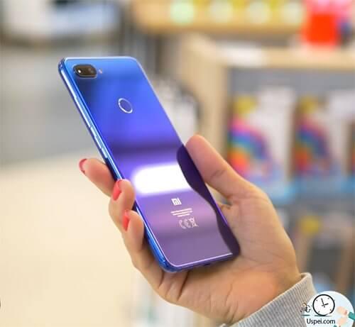 Xiaomi Mi 8 Lite - модный тренд - градиент цвета