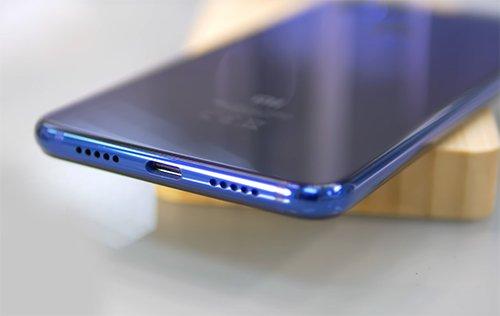 Xiaomi Mi 8 Lite Разъемы и комплектация