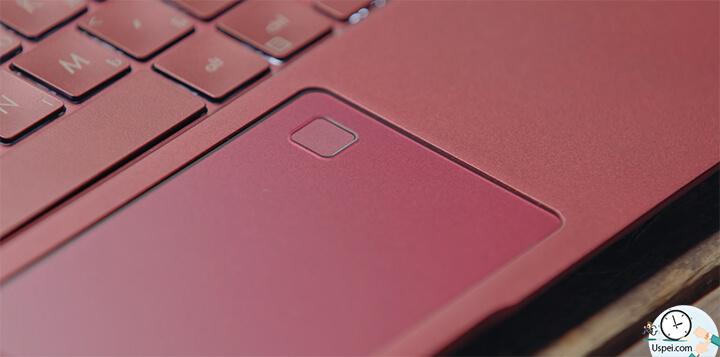 ZenBook S: трекпад стеклянный, очень классно заполирован, в целом приятно пользоваться