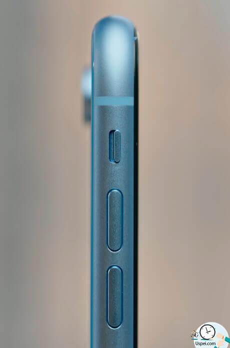 Обзор iPhone XR: Рамка XR выполнена из алюминия