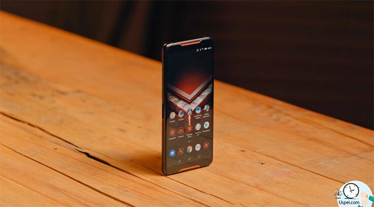 Asus ROG Phone - подключаем клавиатуру, мышку и можно, в принципе, стримить