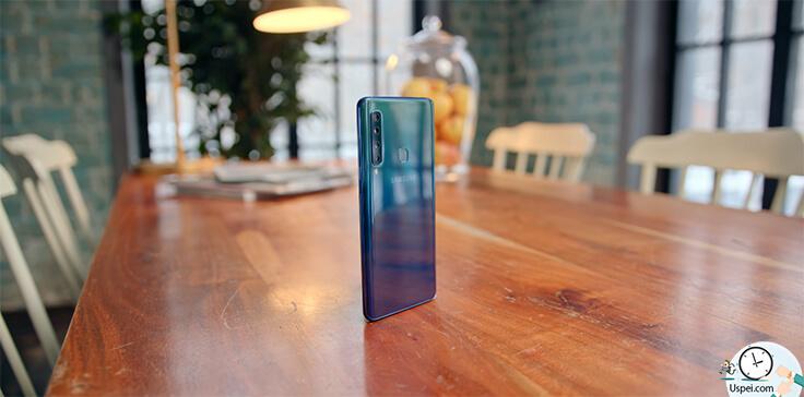 Samsung Galaxy A9 - К хорошему дисплею, неплохой начинке, отличной сборке, четырем камерам, сканеру отпечатка, разблокировке по лицу прибавим type-c наличие джека 3,5, NFC, убавим отсутствие защиты от воды и пыли и стереодинамиков