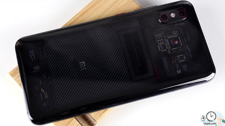 Xiaomi Mi 8 Pro - Дизайн