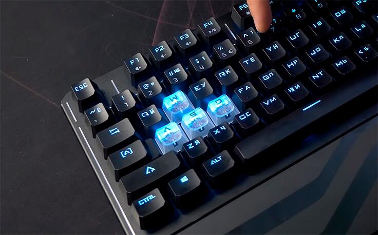 Самая дорогая игровая клавиатура Bloody - сменные колпочки