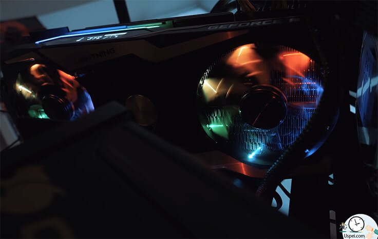 MSI RTX 2080 Ti Lightning Z Если смотреть на вентиляторы прямо, то получается красиво, но сбоку похоже на китайскую гирлянду.