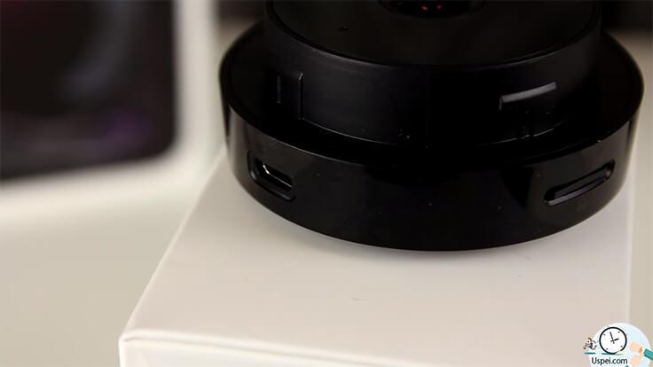 Xiaomi Mijia 1080P - Вход под флешку micro sd, micro-usb для зарядки, отверстие для микрофона и кнопки reset. По всей задней части расположились отверстия для динамика, для функции громкой связи.