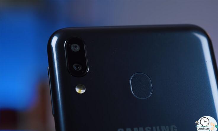 Samsung Galaxy M20 - камеры