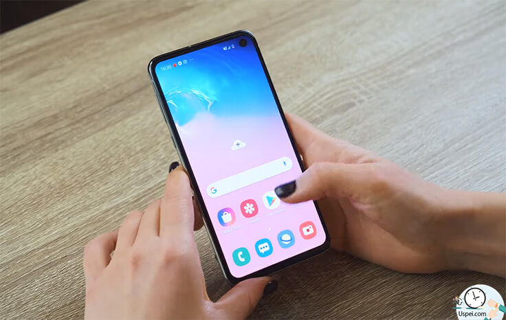 Сравнение Samsung S10e и iPhone XR - идеальный баланс белого