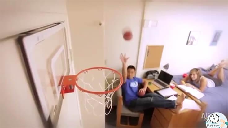 Детское баскетбольное кольцо на дверь