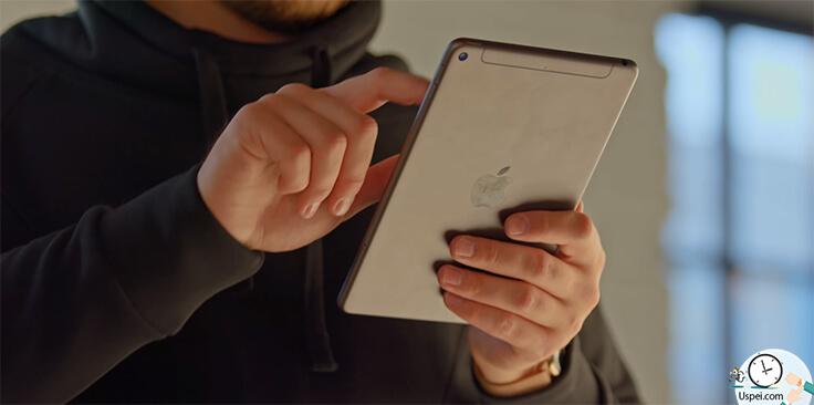 Обзор iPad Mini 5 - в одной руке держите IPad как маленький мольберт, а в другой Apple Pencil и делайте зарисовку