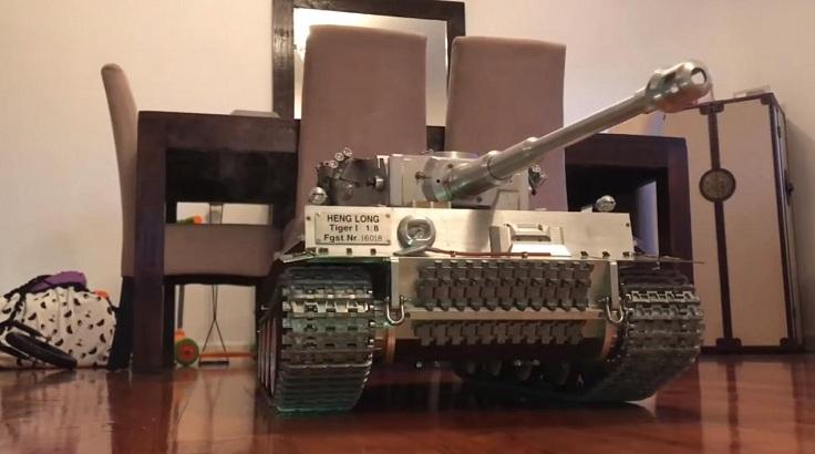 Овер, дорогой танк на радиоуправлении