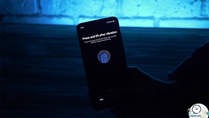 Обзор Xiaomi Mi 9 – сканер отпечатков