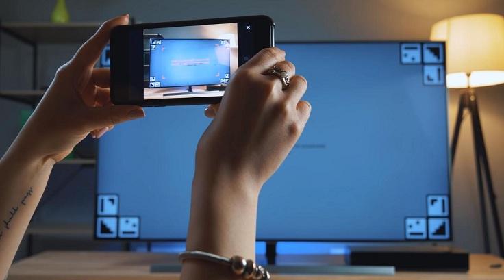 Приложение SmartThings на смартфоне может помочь сфотографироватьфон за дисплеем