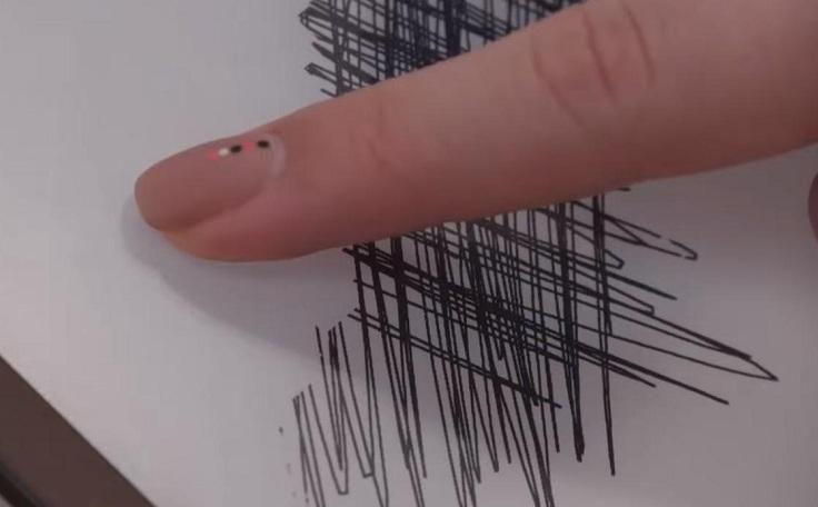Когда стираешь линии ластиком, после них остается еле заметный след