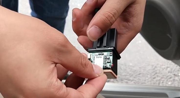 GPS трекер замаскированный под реле