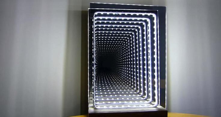 Бесконечное зеркало с туннельным эффектом