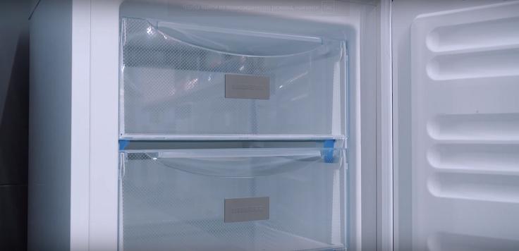 Смартфрост уменьшает количество инея внутри камеры и на продуктах