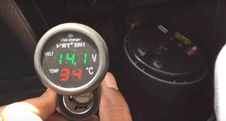 3В1 USB-зарядка, вольтметр, термометр
