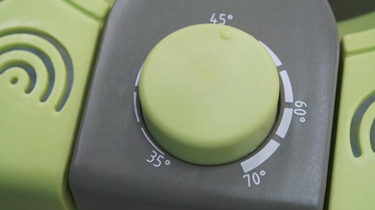 Со ступенчатым термостатом, подбирайте модель, как минимум, с тремя температурными режимами