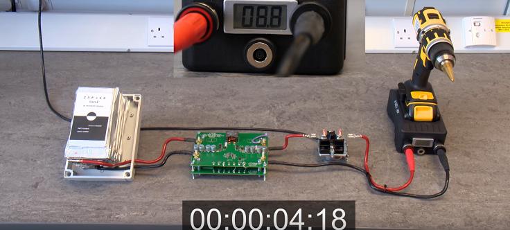 Быстро зарядится, за одну-две минуты, но держать будет максимум полдня