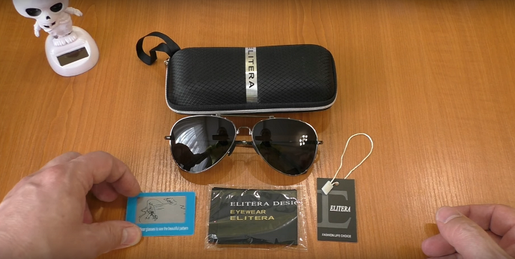 В комплекте с очками жесткий чехол, карточка для проверки поляризации