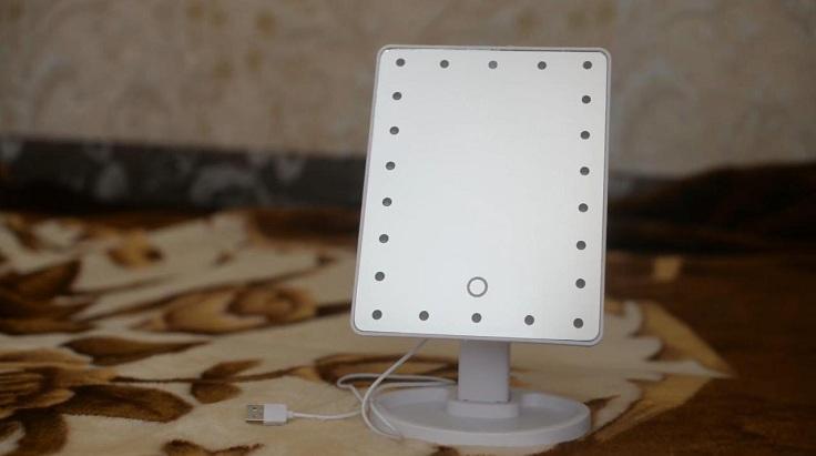 Зеркало для макияжа со светодиодной LED-подсветкой